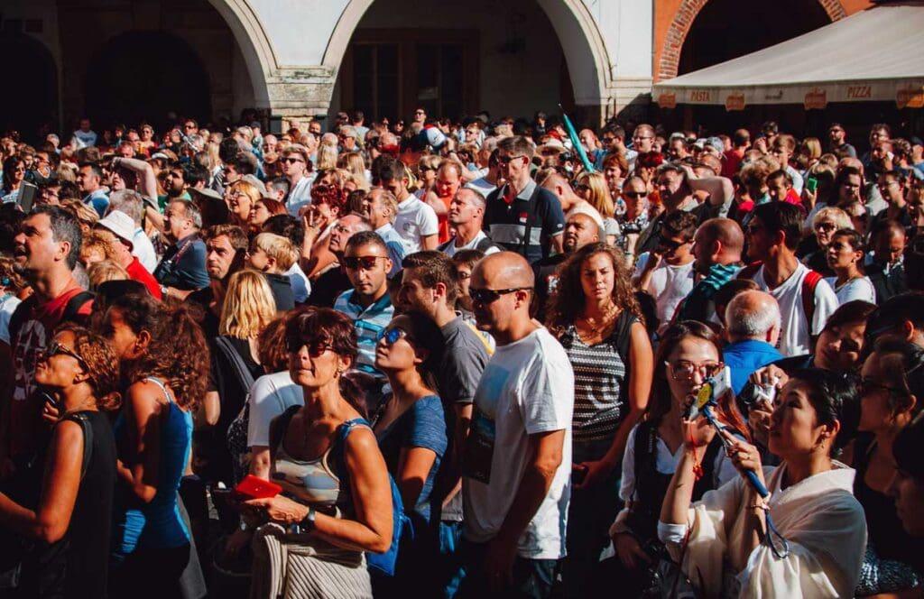 Prague Peak Season Crowds