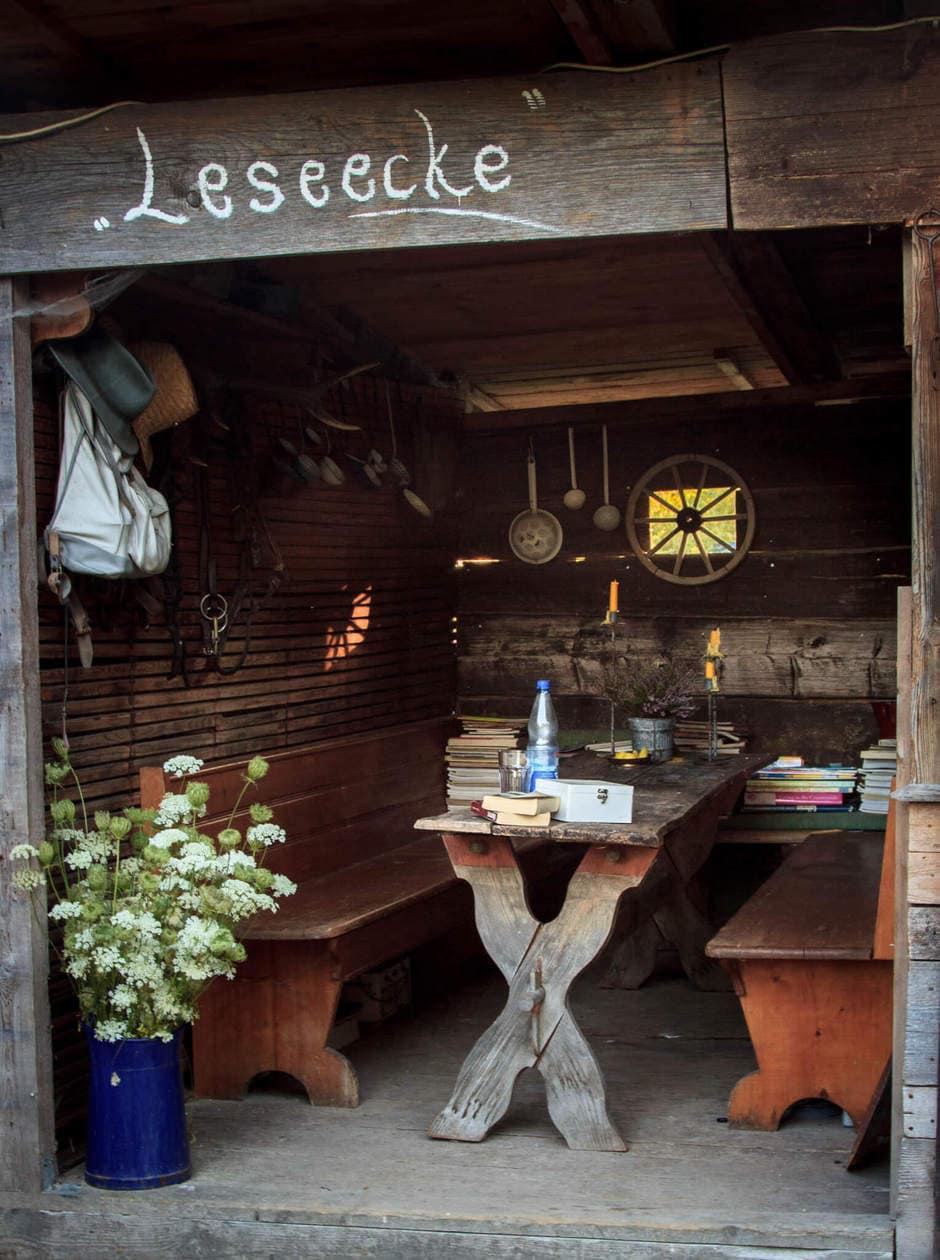 Reading Nook : Bettina's Arthouse