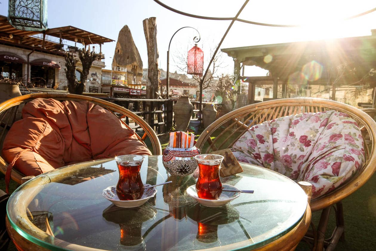Coffeedocia, Cappadocia // Where to eat in Goreme, Turkey // A list of 7 Cappadocia restaurants to check out, including where to find the most authentic pottery kebab, the prettiest patio to sip Turkish Tea, and where to get the best food.