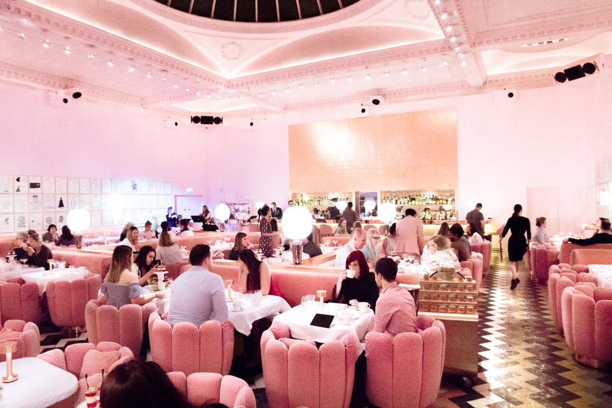 Inside London's most instagrammable restaurant. Sketch London's most popular draw is their famous pink restaurant, The Gallery. Keep reading for visitor information, photos prices and more.