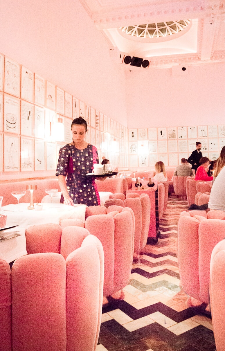 Inside London's most instagrammable restaurant. Sketch London houses 4 restaurants, including the famous pink tea room, The Gallery. Keep reading for visitor information, photos prices and more.