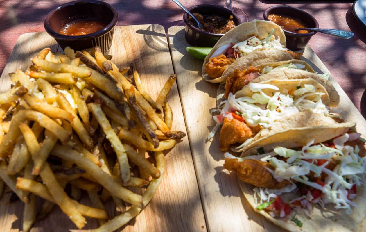 Valle de Guadalupe Wineries - Troika Food Truck Tacos