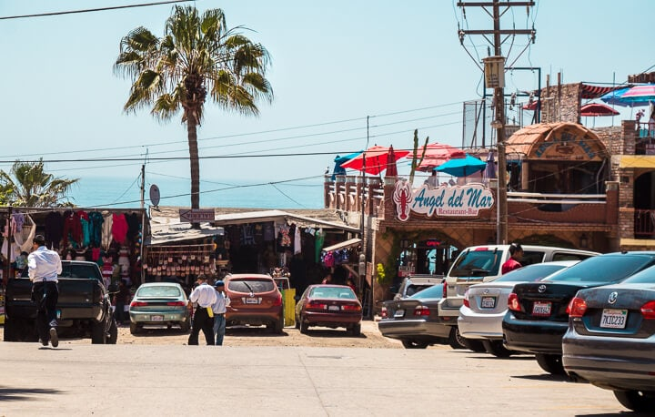 Puerto Neuvo Lobster Town - Baja California Mexico // Valle de Guadalupe is an up and coming wine region located in Mexico's Guadalupe Valley. With unique wineries, restaurants and hotels Valle de Guadalupe is the perfect weekend getaway from San Diego, or a great day from from Ensenada. Keep reading to discover where to eat, which wineries to visit and where to stay in Baja California's trendy hidden gem.