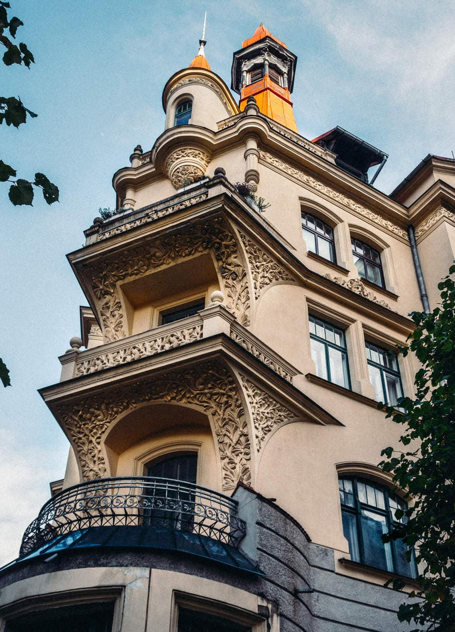 What to do in Riga // Walk Around Art Nouveau District