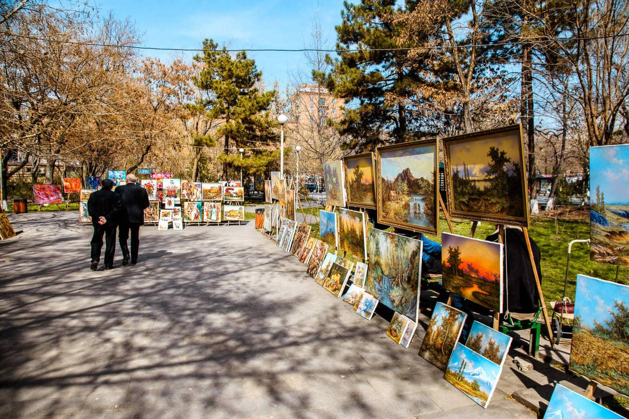 Art Market // Where to try Armenia's legendary brandy, find the best deals on locals souvenirs and discover the best view of the The Pink City (best seen during sunset!). Keep reading for a list of the top things to do in Yerevan, plus 5 hotels to fit any budget.