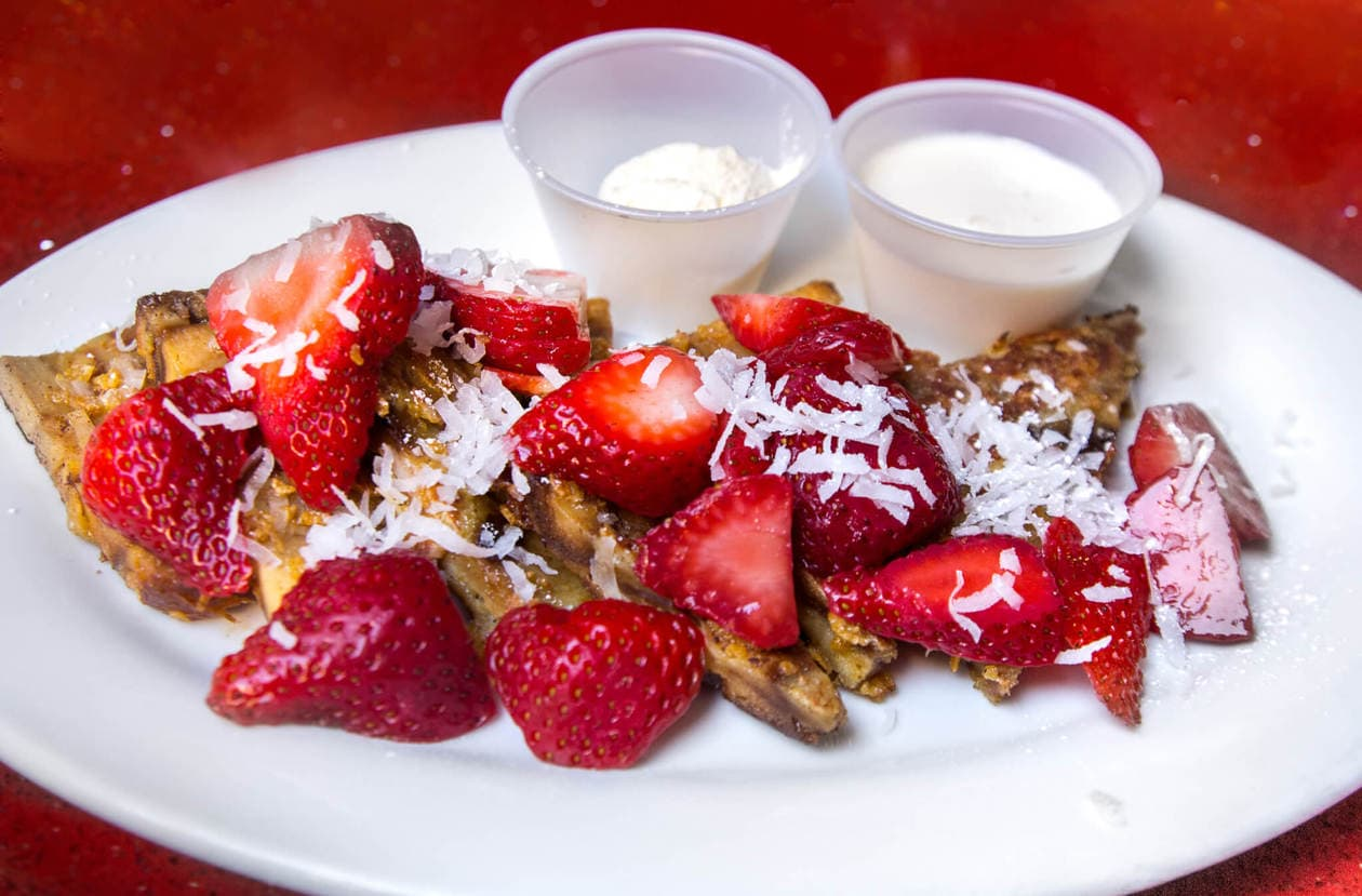 Haupia French Toast Waikiki // Best Places to Eat in Oahu