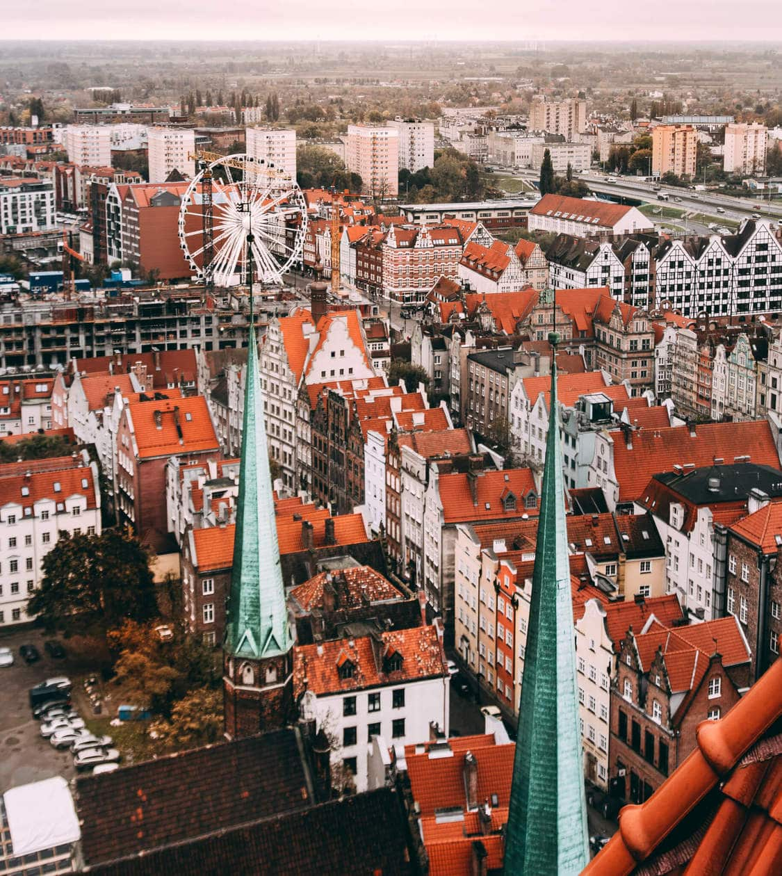 St Mary's Church // There is no shortage of picturesque views, cozy streets and Instagrammable photo spots in Gdansk, Poland. Click to discover my top 6 streets for photo inspiration in Old Town.