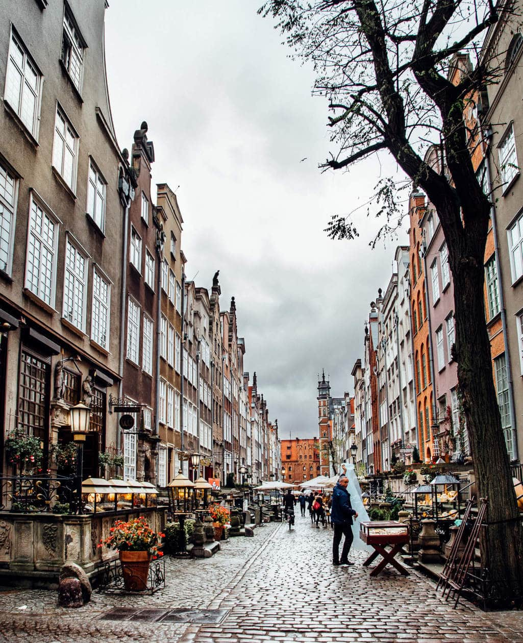 Mariacka Street // Everything you need to know to spend a weekend in Old Town Gdansk. Discover what to do, where to stay, which bars to visit, plus tips for visiting and tons of Gdansk photography to inspire your trip. Click to discover Poland's Pearl of the North.