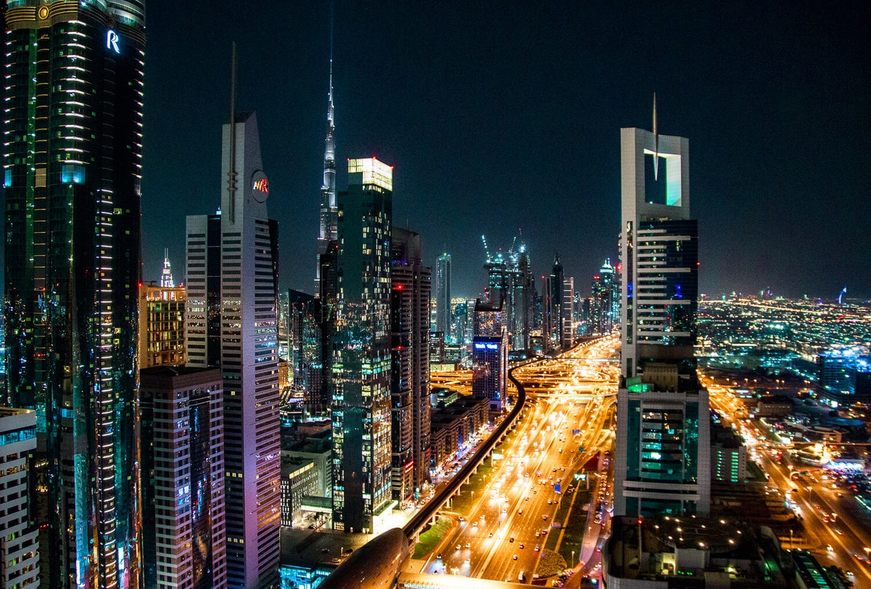 The Ultimate Dubai Travel Guide // Everything you need to know for a visit to the United Arab Emirates including transportation tips, things to do, what to wear, photography and more!
