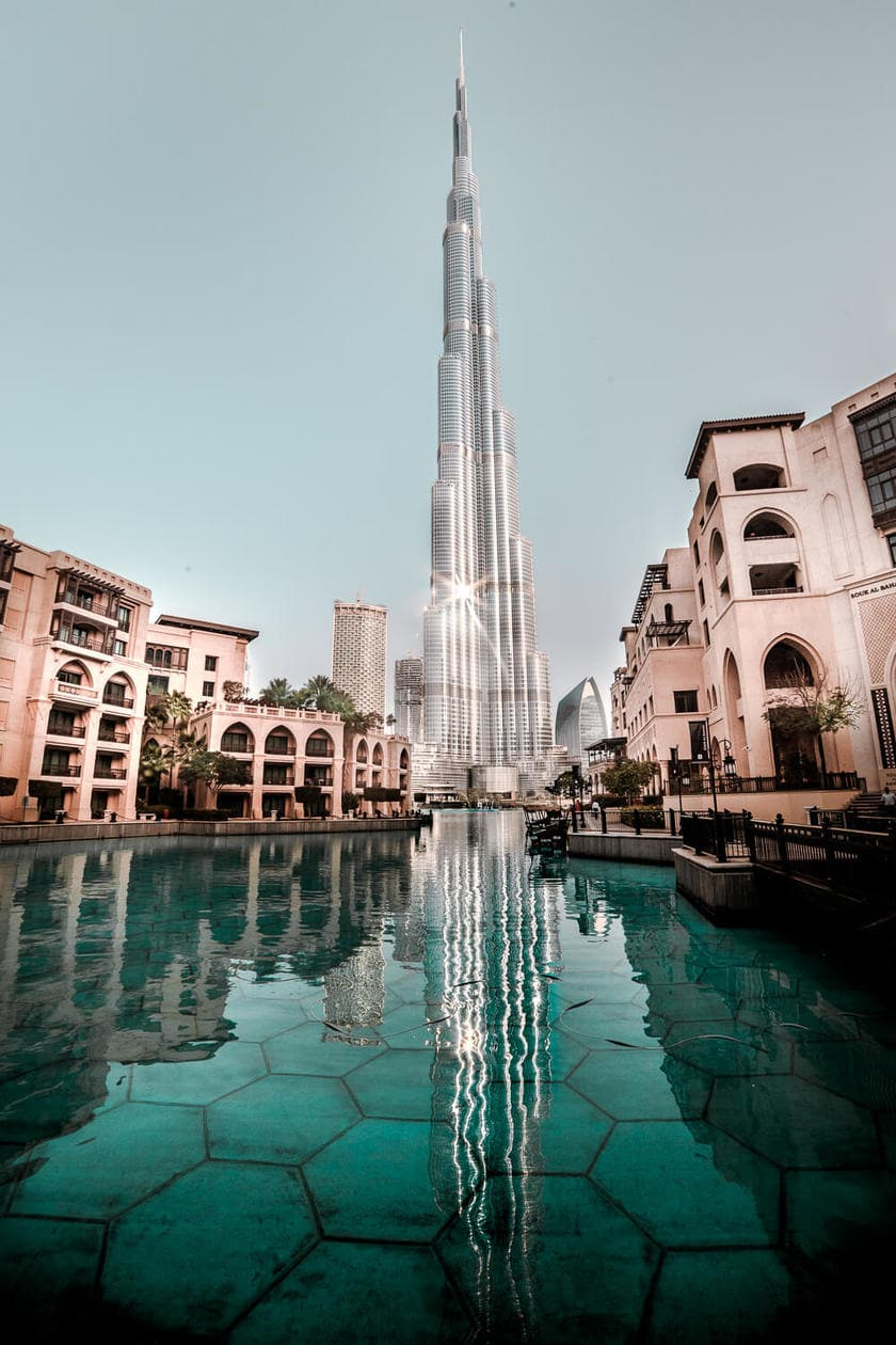 The Burj Khalifa // A list of the top 10 things to do and places to visit in Dubai. From rooftop bars, to beaches, plus where to find the best views and more.