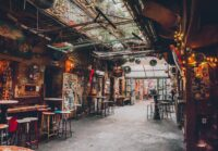 5 Budapest Ruin Bars // The Abandoned Buildings of Budapest Nightlife