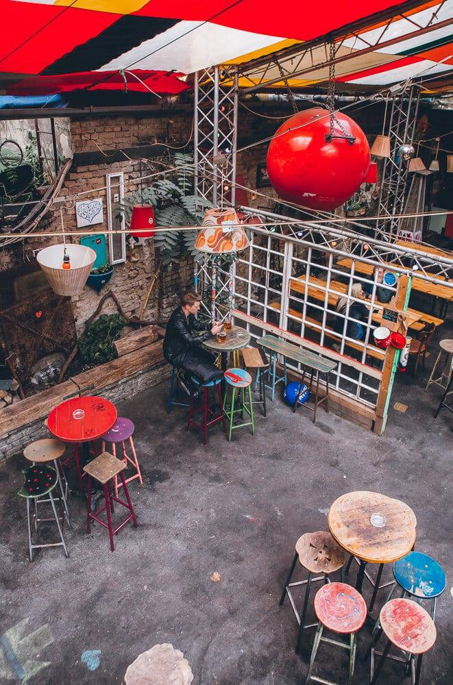Szimpla Kert Ruin Bar in Budapest