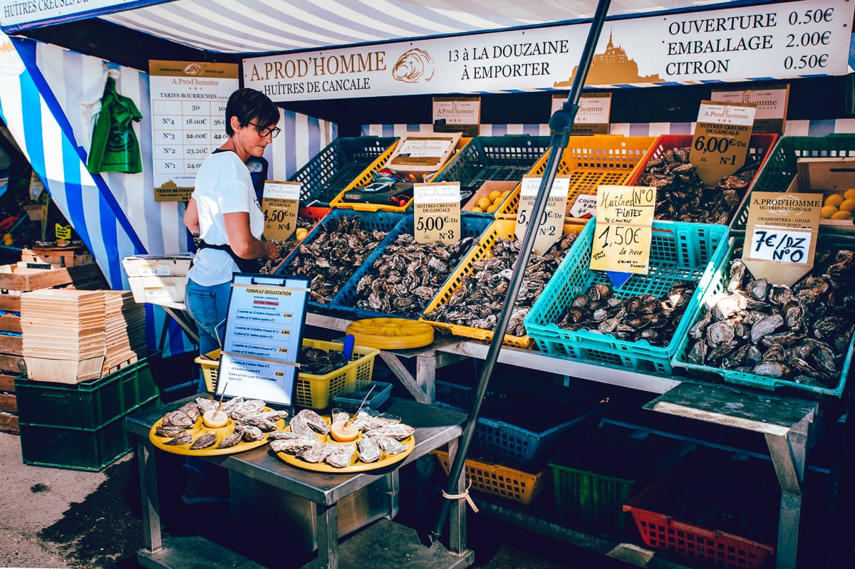 Marché aux Huîtres Market in Cancale