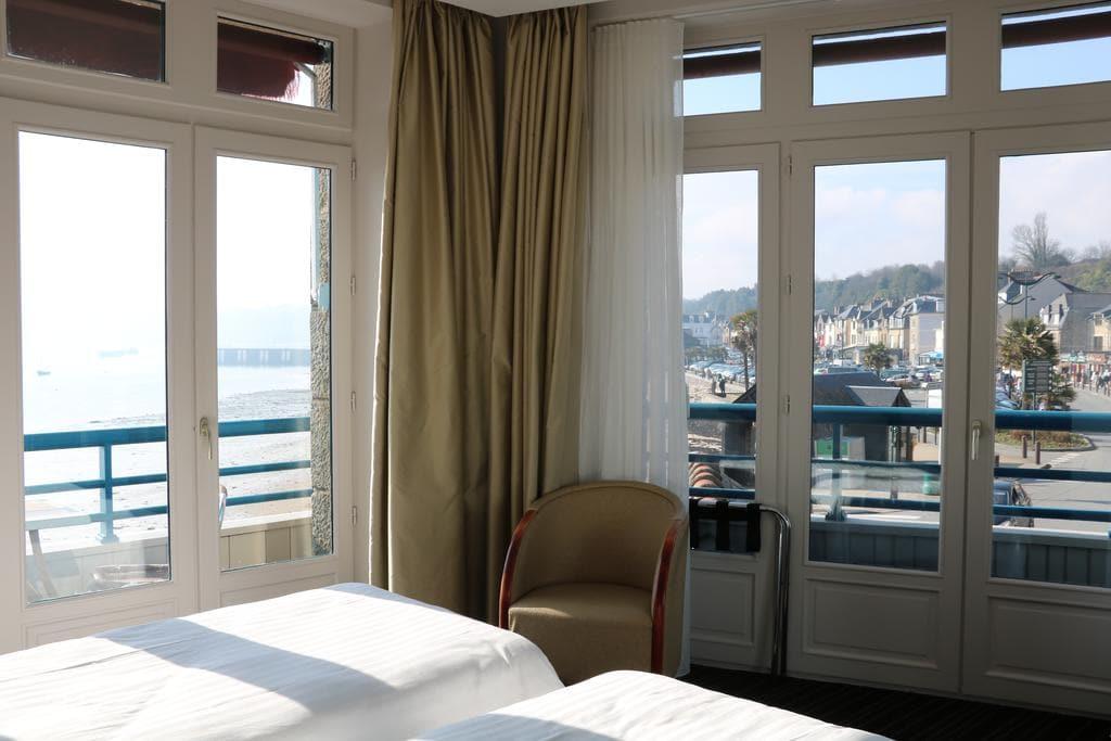 HOTEL LA MERE CHAMPLAIN