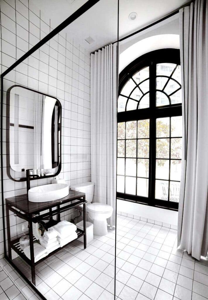 The Guild Hotel San Diego Bathroom